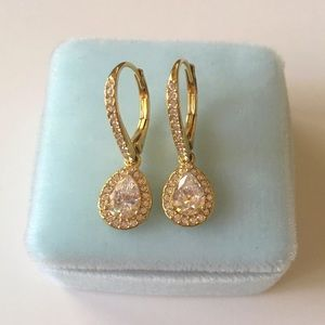 NWOT Nadri teardrop earrings
